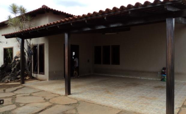 Rvlimoveis disponibiliza para venda imediata Linda casa na rua 10 , com 3 quartos Sendo 2 suites, closet 2 salas Cozinha com aramarios Despensa, area de serviço Area de churrasqueira […]