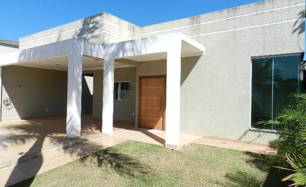 Rvl imoveis disponibiliza para venda imediata Linda casa na rua 08 de Vicente Pires Sendo 4 quartos 1 suíte master com closet, 2 semi suites, Porcelanato, Churrasqueira, Casa moderna Excelente […]